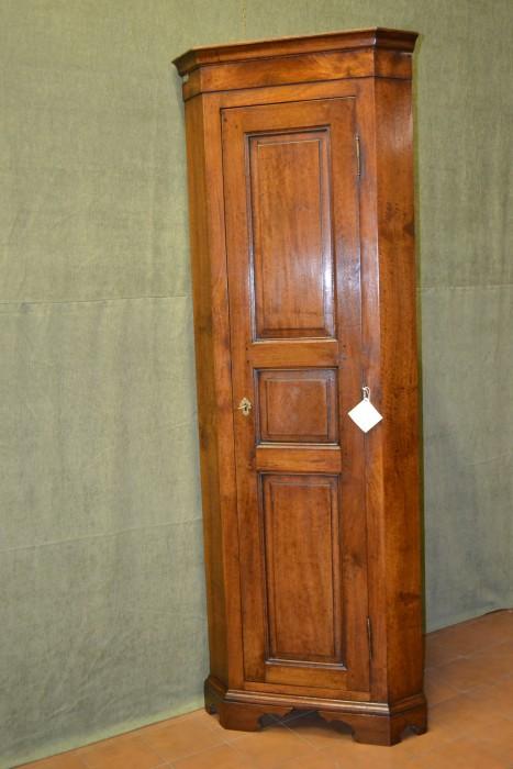 Angoliere - Livio Bernardi Mobili - Mobili d\'arte artigianali in legno