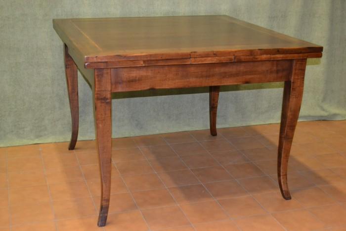 Tavolo Quadrato Antico Allungabile.Tavoli Quadrati Livio Bernardi Mobili Mobili D Arte Artigianali