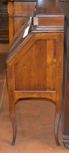 Buroncino con 3 cassetti in noce nazionale massello ART  BUR 13