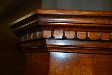 Mobile ad angolo con 2 porte 1 cassetto pannelli intarsiati   ART  ANG 01