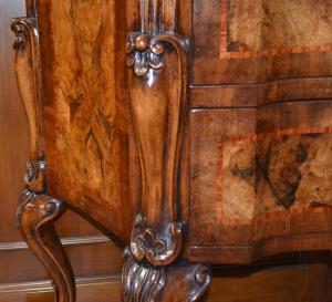 Comò a 2 cassetti in stile 700 radicato in legno di noce ART  COM 04