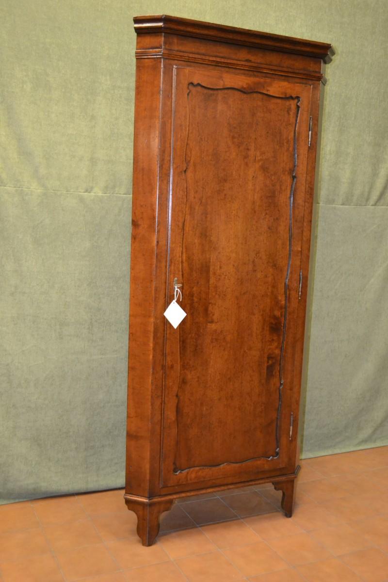 Angoliera in stile biedermeier in legno di noce massiccio livio bernardi mobili mobili d - Mobili biedermeier ...