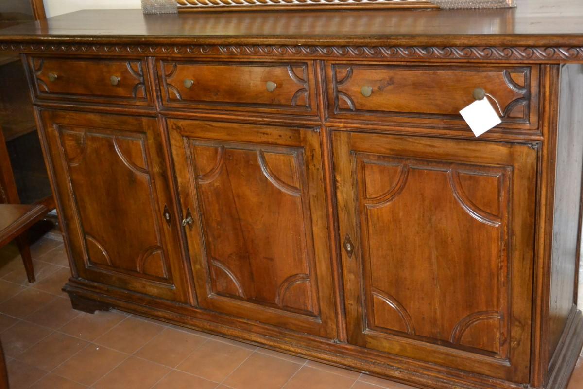 Credenza in stile legno antico livio bernardi mobili - Mobili stile antico ...