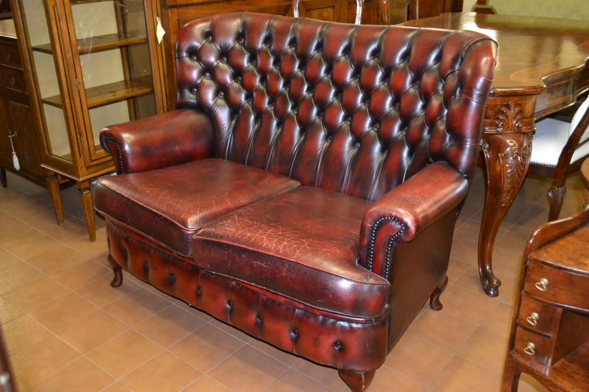 Divano stile inglese div 16 livio bernardi mobili for Divano in inglese