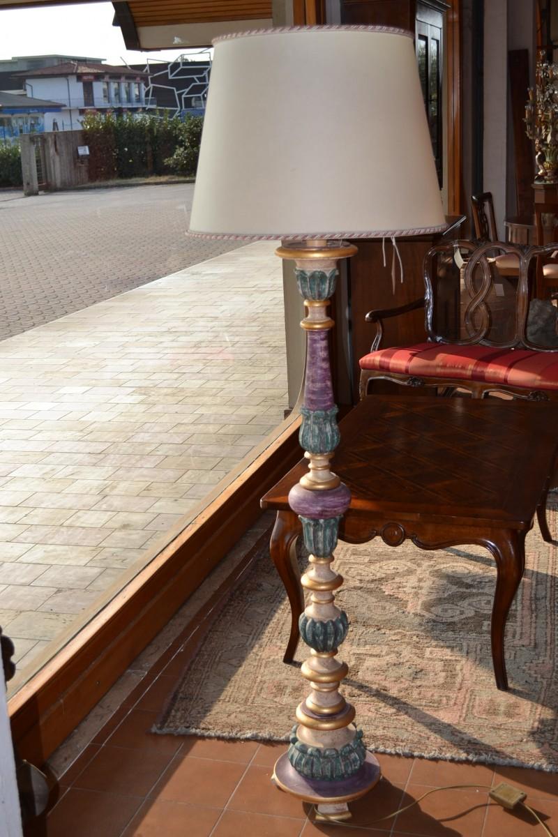 Lampada da terra lavorata a mano livio bernardi mobili for Seconda mano mobili