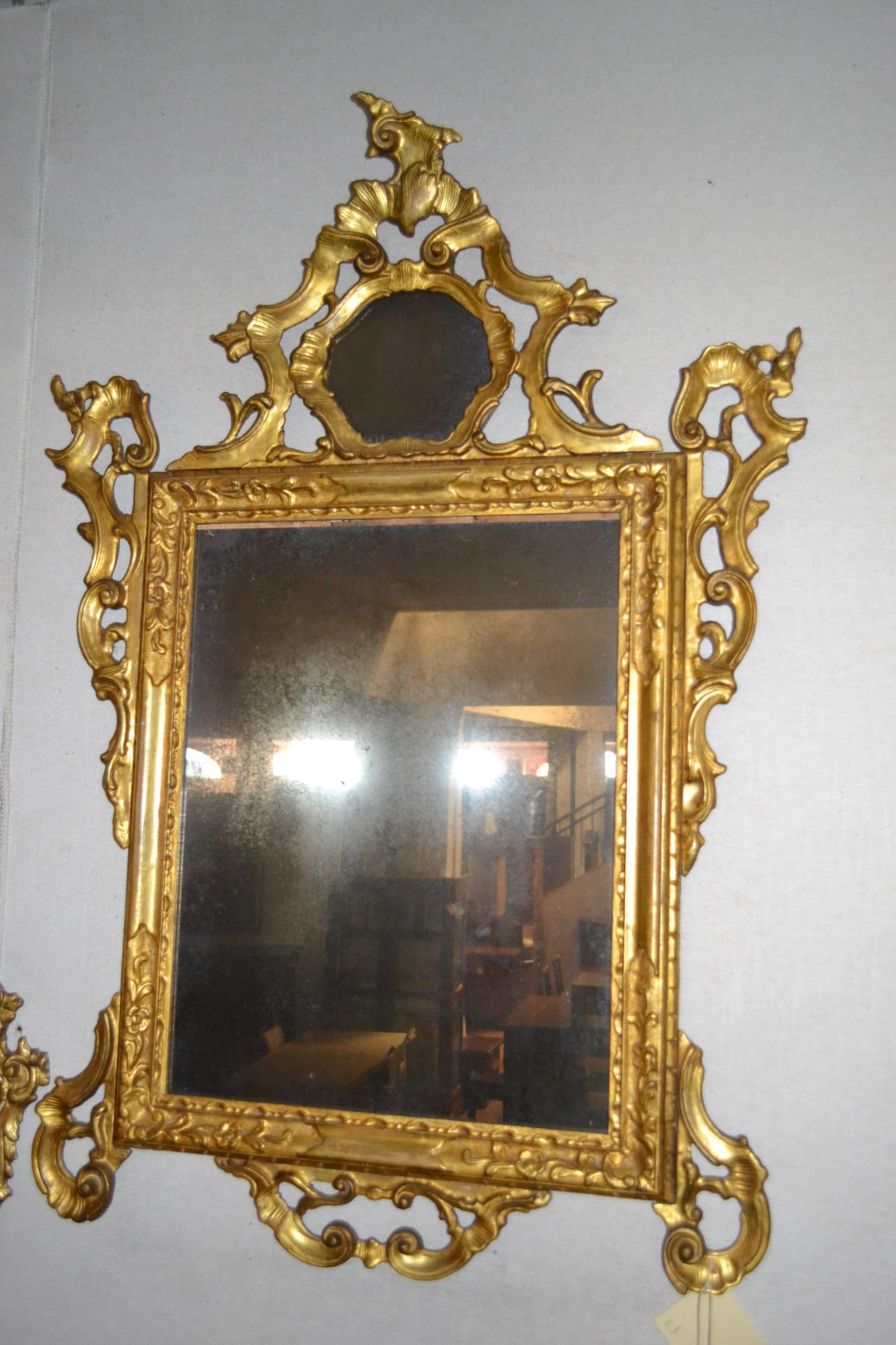 Specchiera legno antico decorata a mano in oro zecchino for Specchio antico subito it