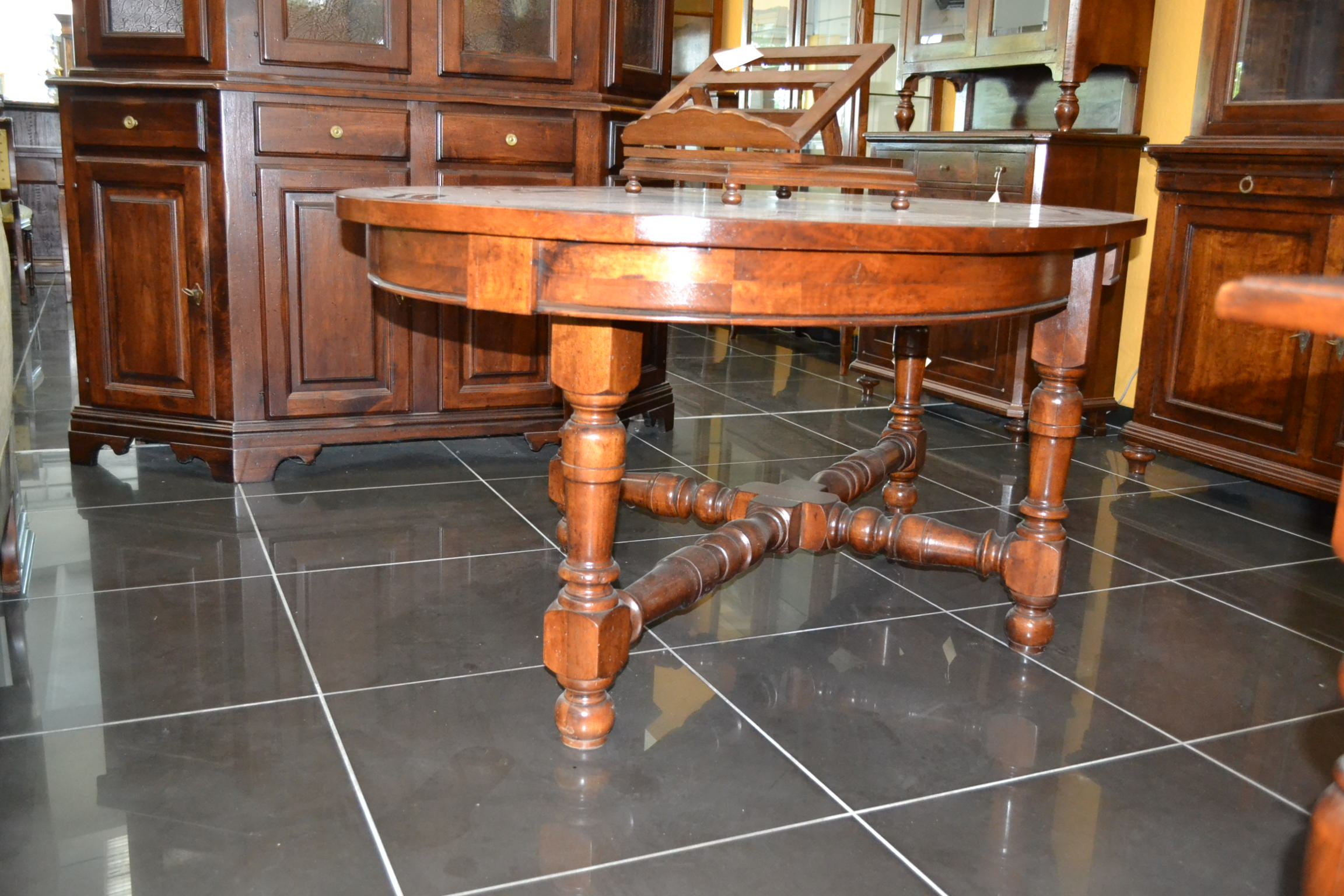 Tavolo ovale allungabile piedi torniti crociera livio - Piedi in legno per tavoli ...