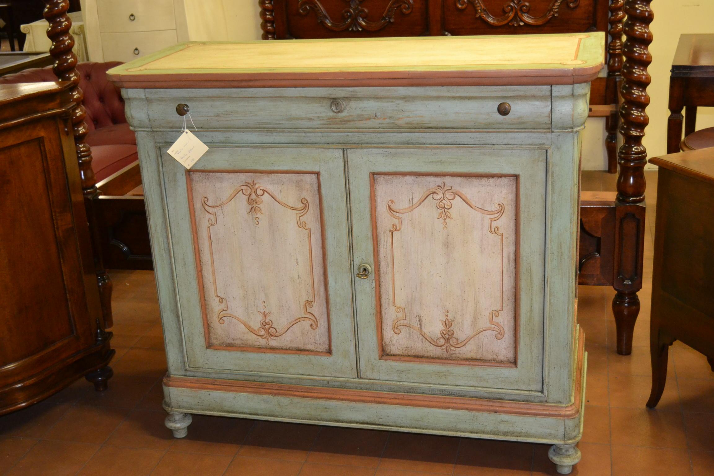 Credenza Per Ingresso : Credenza a porte e cassetto laccata in legno antico livio