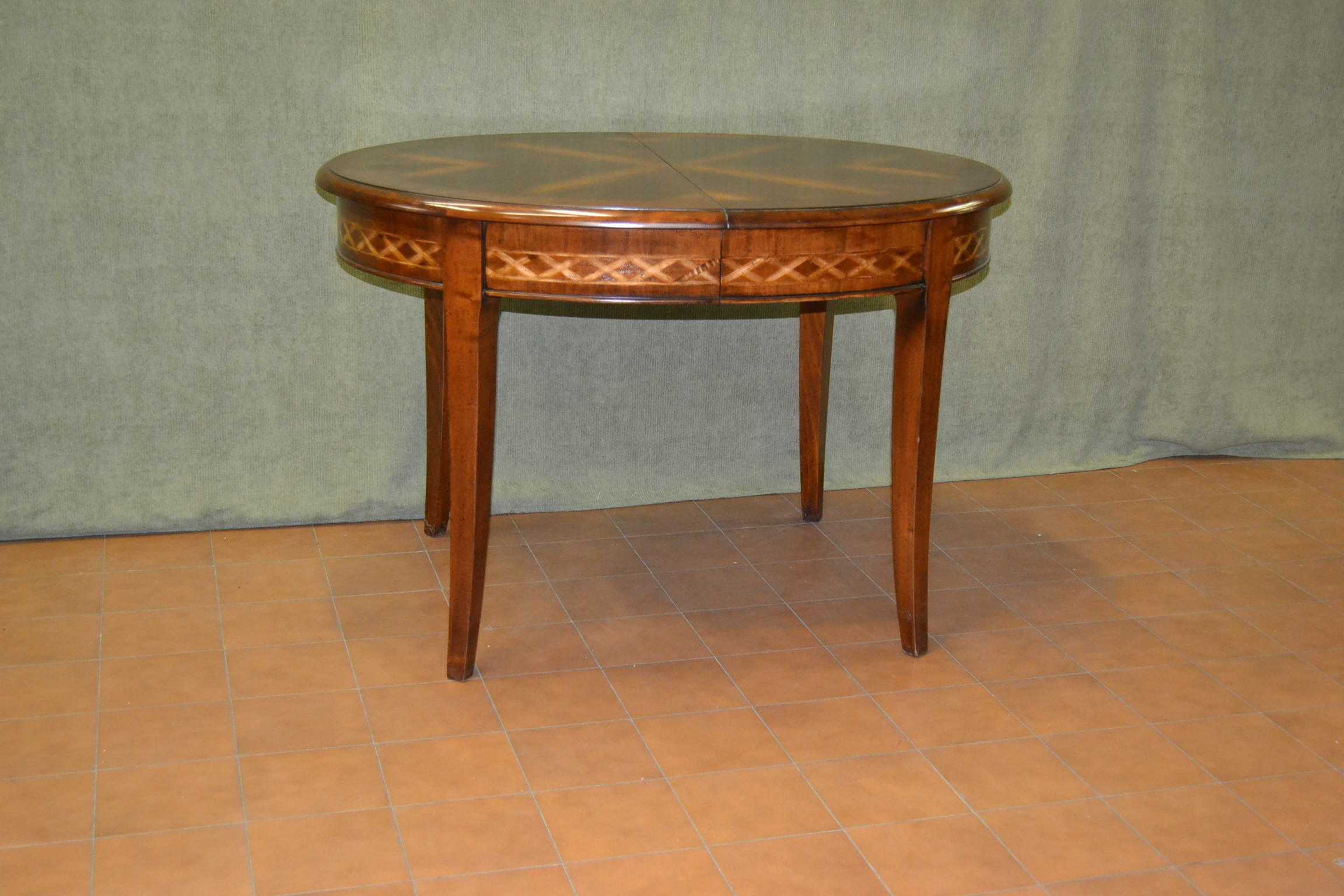 Tavolo ovale allungabile con intarsio sul bordo sotto - Mollettone per stirare sul tavolo ...